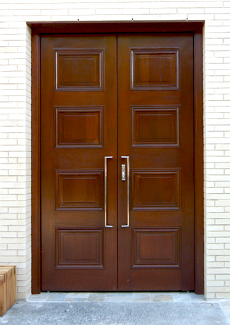 door at Temple Ahavat Achim in Gloucester